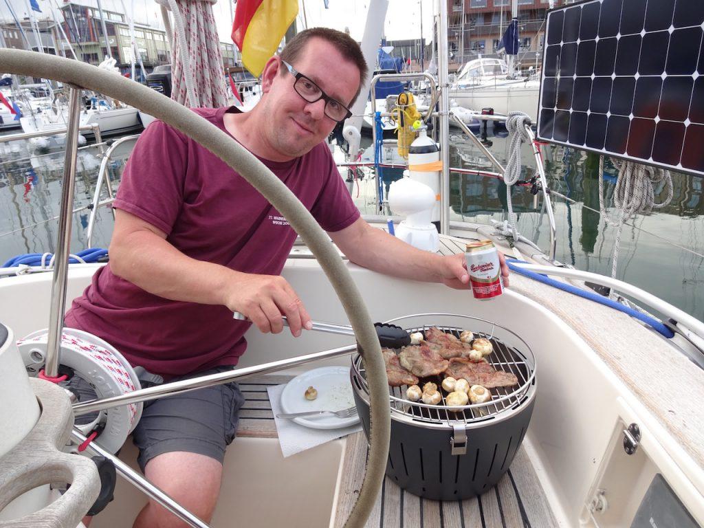 Bierchen zum Grillen, so gefällt es dem Skipper