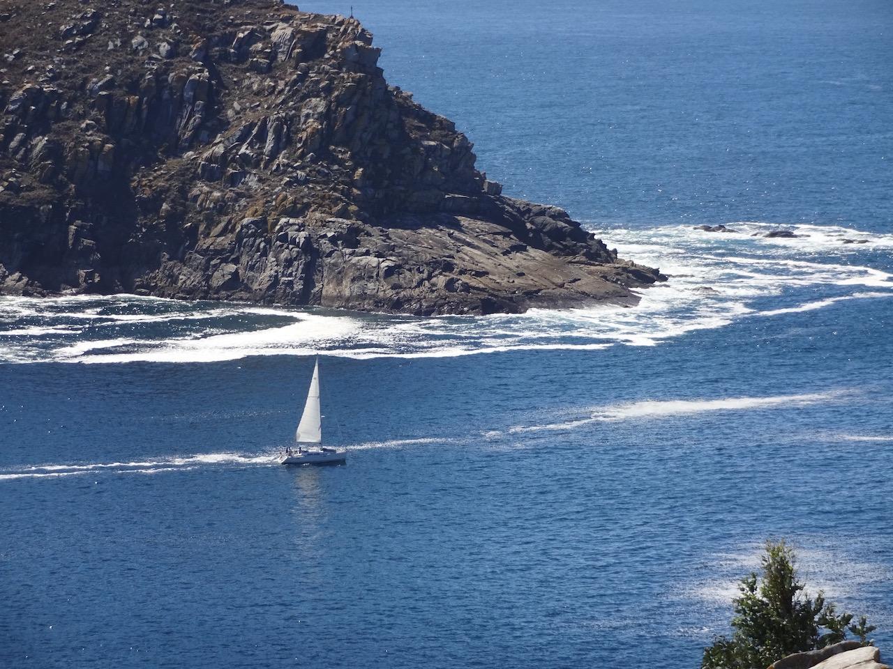 bei wenig Wind kann man auch gut auf dieser Seite der Inseln unterwegs sein