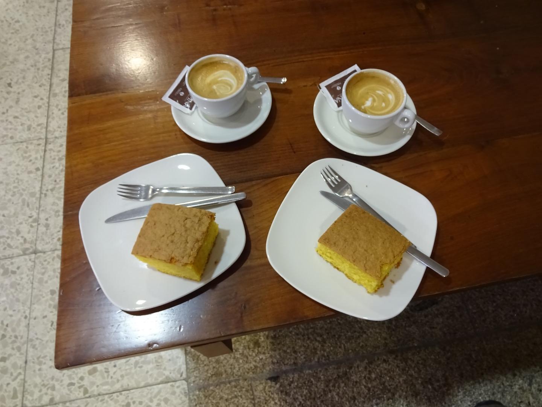 Kaffee und Kuchen für 2 Pilgerer = 6 Euro, da kann man es sich schmecken lassen
