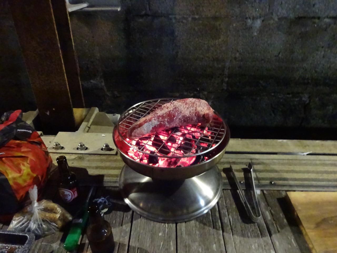 Grillen a la Christian - ein Schweizer zaubert nach brasilianischem Rezept über dem Feuer
