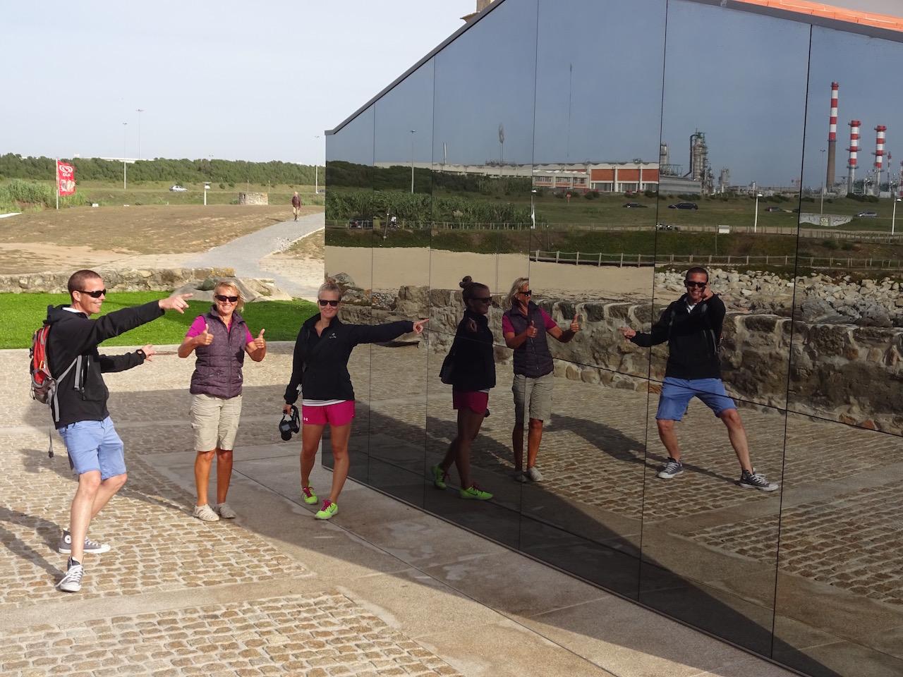 Gruppenfoto mit Spiegel