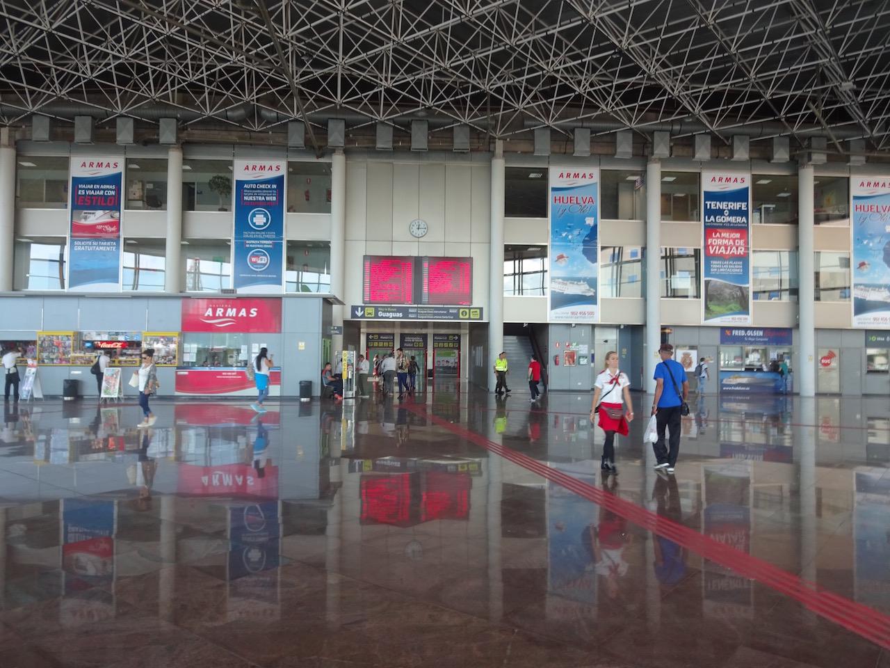Terminal vom Busbahnhof - hier empfangen wir unseren Besuch